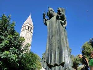クロアチアスプリットグーグルニンスキ像
