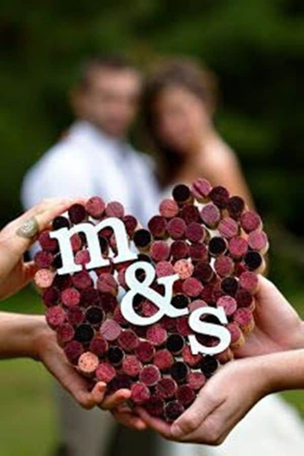 DIY-corcks-heart-for-burgundy-wedding