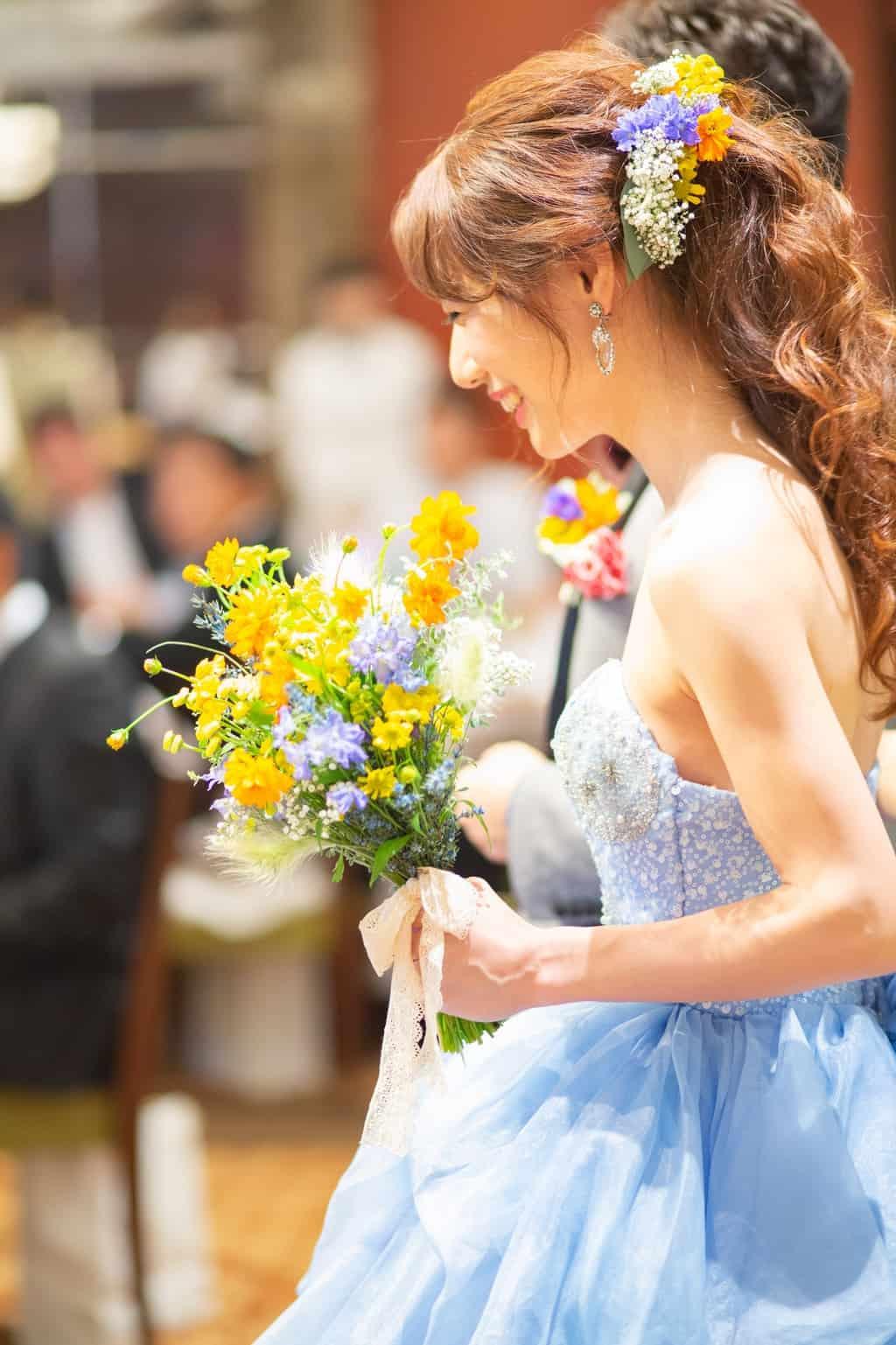 【イエロー×ブルー】爽やかカラーでフォトジェニックな結婚式を♡のカバー写真