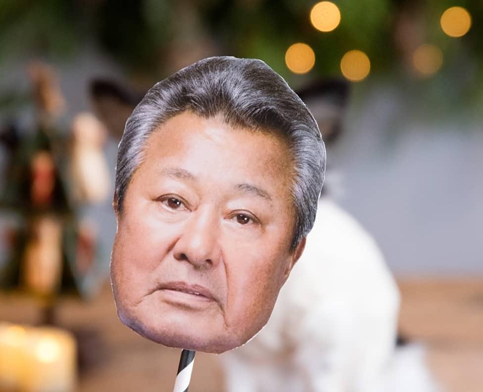 """【謎ブーム】全国の結婚式で""""梅宮辰夫プロップス""""が大流行中♡のカバー写真"""