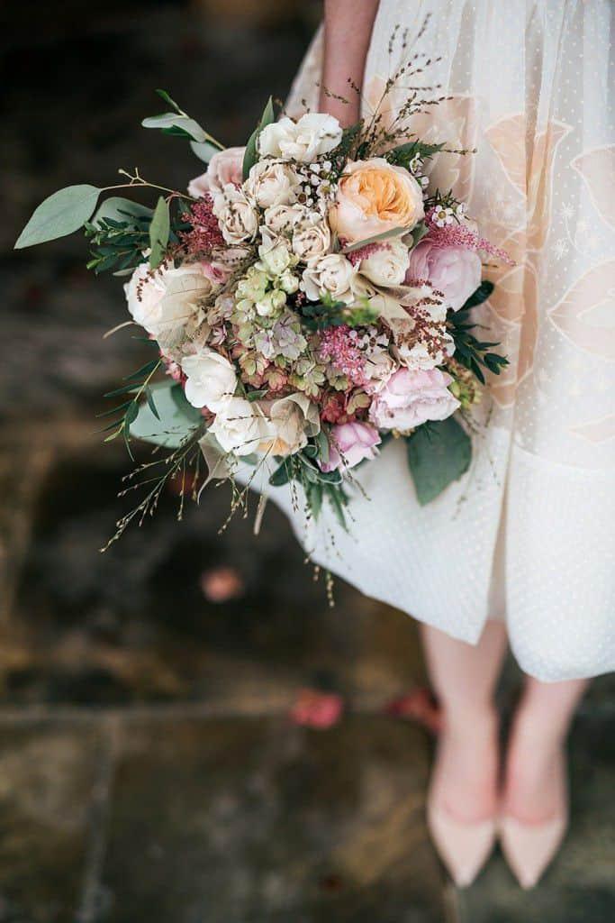 short-60s-dress-intimate-autumn-wedding-le-manoir-aux-quat-saisons-1