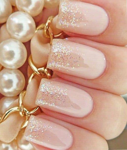 glitter-pink-wedding-nails