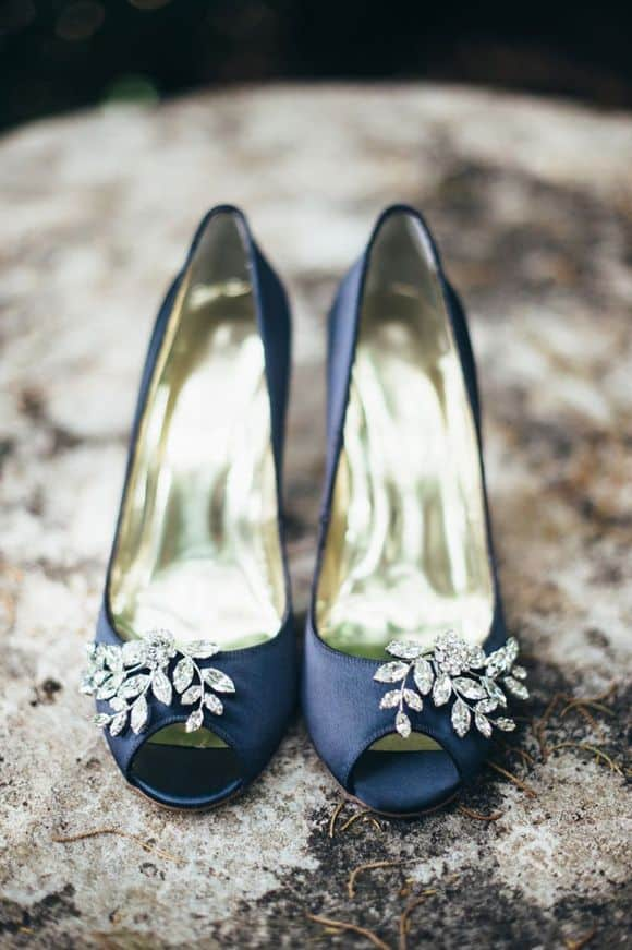navy_shoes