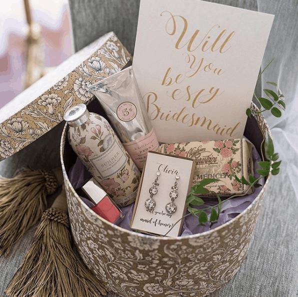 結婚式でブライズメイドを頼むなら♡ブライズメイドBOXを渡してみない?のカバー写真 0.9983221476510067