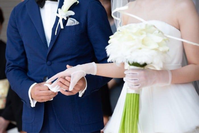 旦那さまだって大事な主役!結婚式のオシャレな花婿コーデはオーダーで賢く揃えよう♡のカバー写真