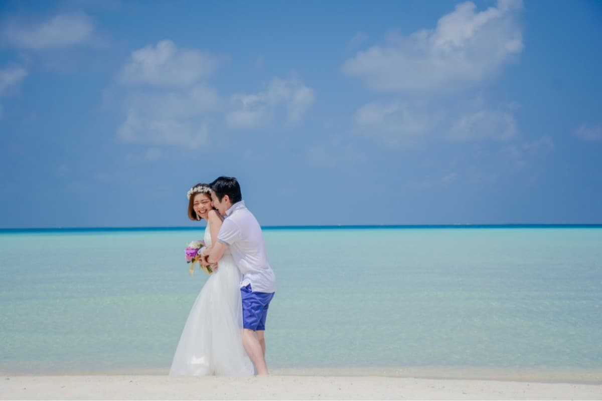 【新婚旅行マニュアル】新婚旅行の費用って?行き先別ハネムーン費用紹介!のカバー写真
