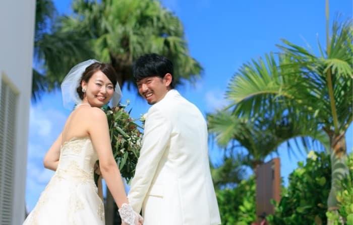卒花嫁に学ぶ♡優雅な【リゾート】ウェディングの作り方♪のカバー写真