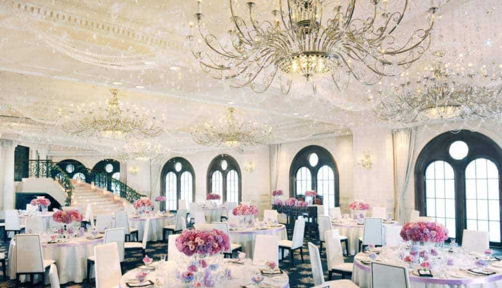 【関東編】インスタ花嫁が選んだ\ゴージャス**/な雰囲気にぴったりの結婚式場ランキングのカバー写真