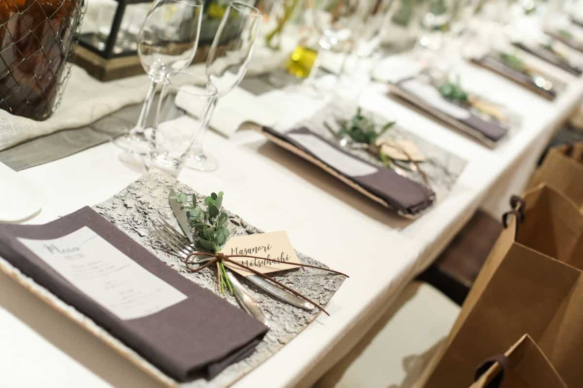 結婚式の席次表*どう作る?好みのデザインアイテムやテンプレートで披露宴のもてなしを♡のカバー写真 0.6658333333333334