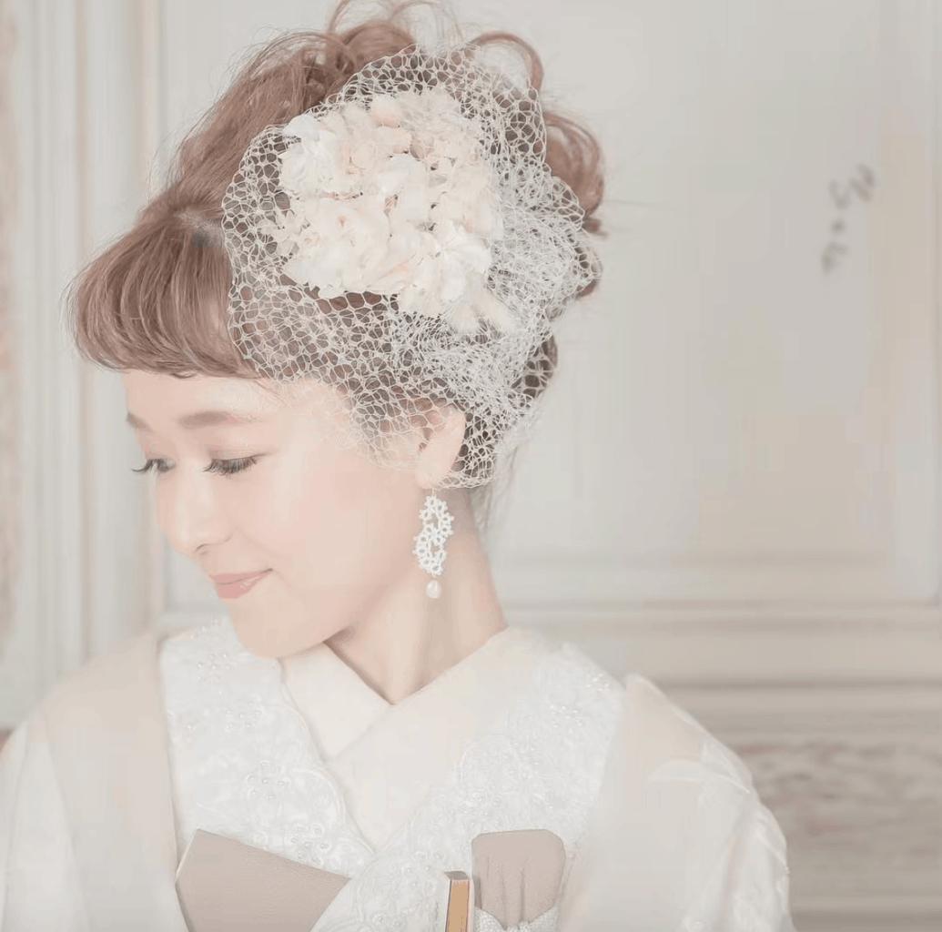白無垢に合う髪型は 品よくおしゃれ おすすめ洋髪スタイル特集 和装