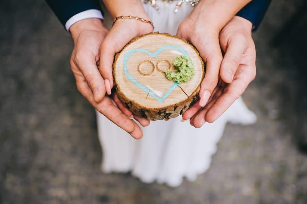 今人気のエタニティリング♡結婚指輪や婚約指輪と何がちがうの?*のカバー写真