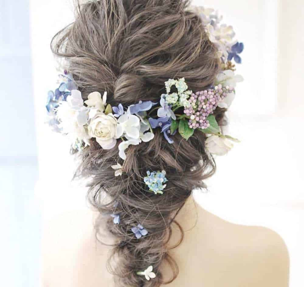 圧倒的人気♡花冠に似合うヘアスタイル15選と購入先まとめ*のカバー写真