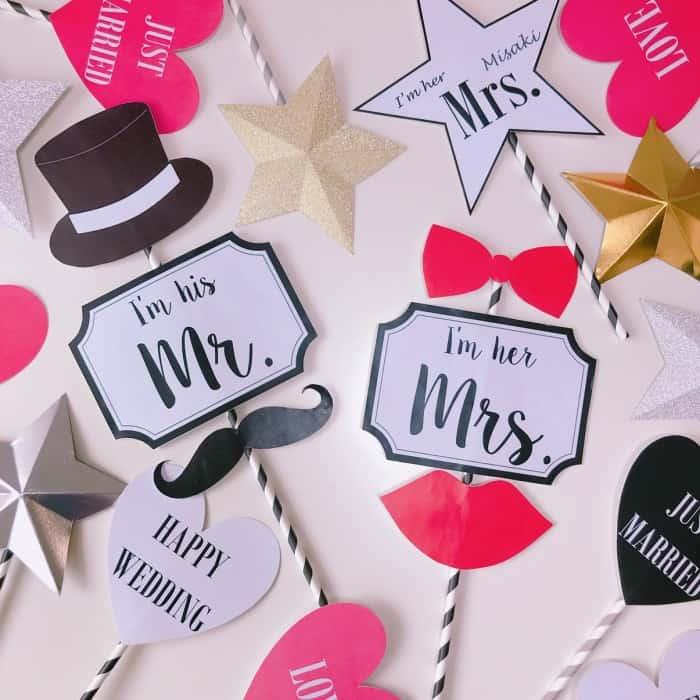 フォトプロップスってなに?結婚式に人気!無料ダウンロードできるデザインや作り方大特集のカバー写真
