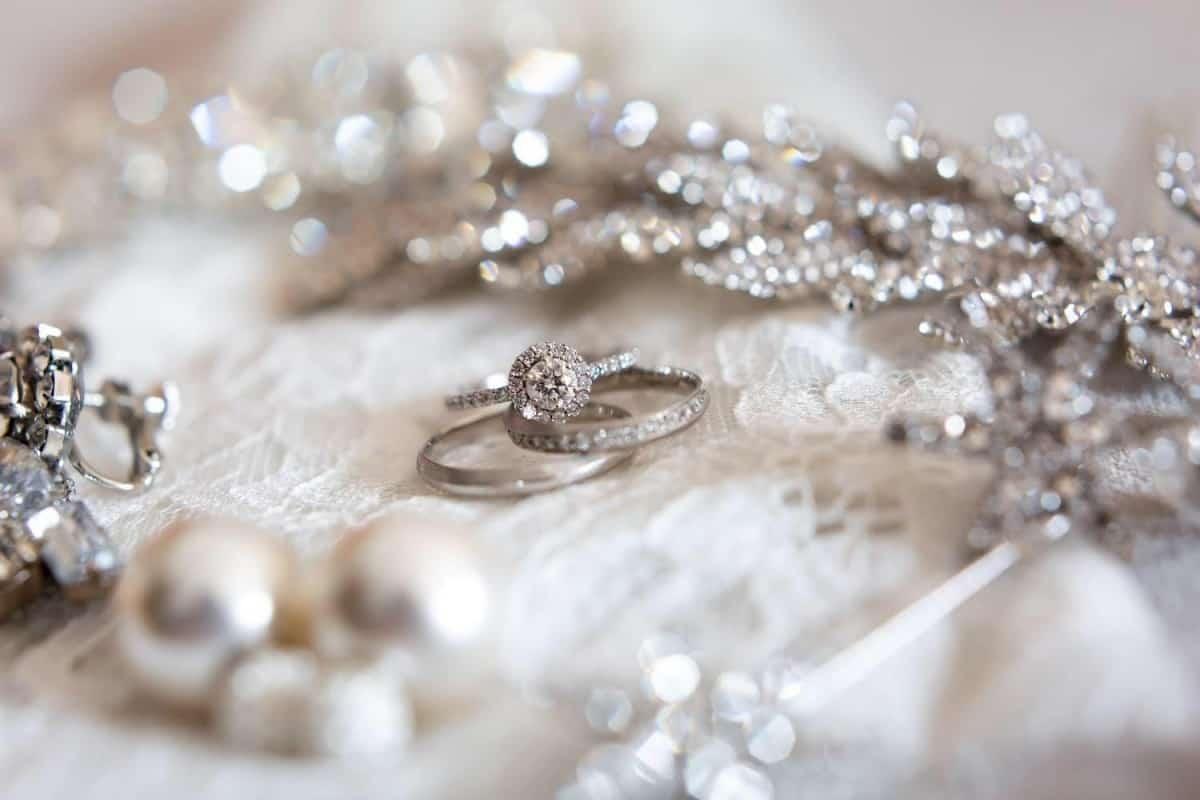 人気のエタニティリングを結婚指輪や婚約指輪に♡ブランド別おすすめ30選**のカバー写真 0.6666666666666666