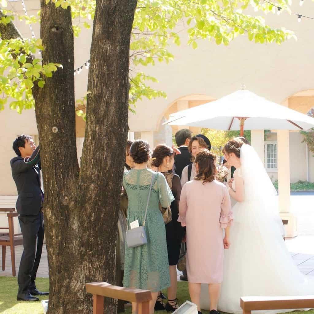 【結婚式お呼ばれバッグ】マナーとおすすめカバンまとめ+*のカバー写真