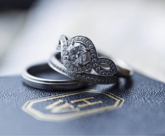 Harry Winston(ハリー・ウィンストン)の婚約指輪(エンゲージリング)のカバー写真