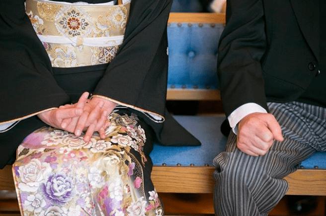 親族として結婚式に参加する場合服装はどうする?基本マナーまとめのカバー写真