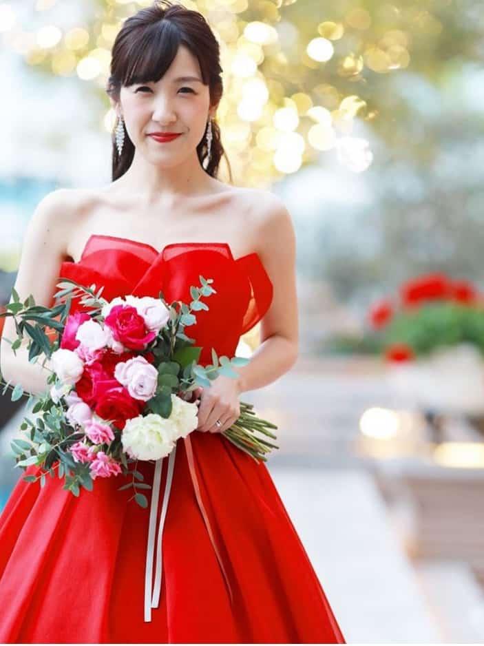 クリスマス婚のカラードレスはどう選ぶ?ドレスカタログ10選のカバー写真