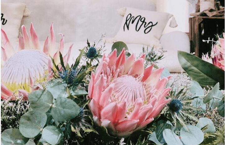 意外と知らない?装花やブーケに使われる特別な花の名前集のカバー写真