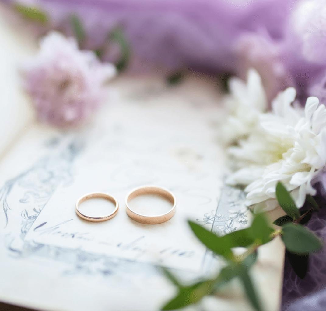 結婚指輪はシンプルが良い?おしゃれで可愛いリングを紹介♡のカバー写真 0.9561157796451915
