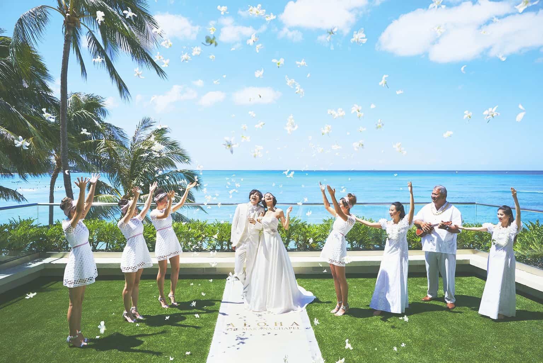 新婚旅行も結婚式も一気に楽しむ♡【リゾート婚】はどう準備する?のカバー写真
