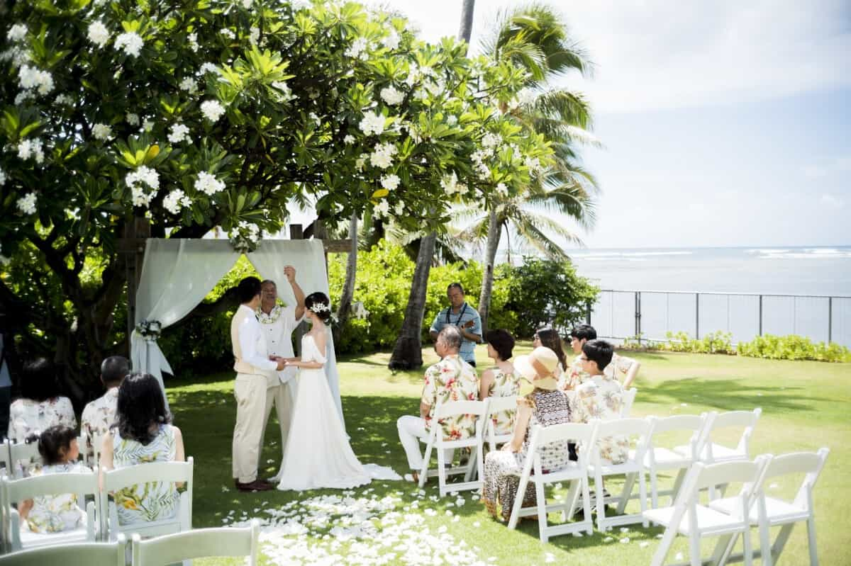 ハワイで結婚式の費用や段取りまとめ♡人気のチャペルTOP10も大公開のカバー写真