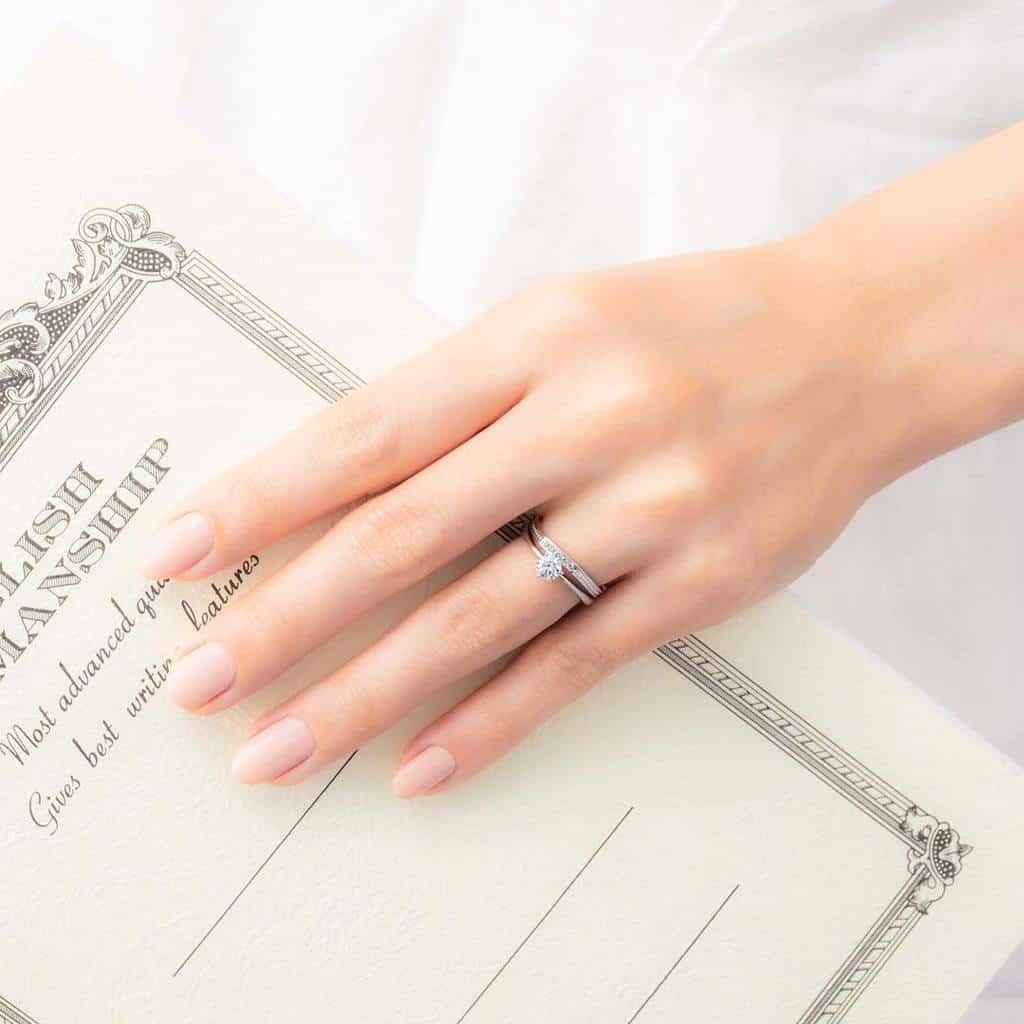 結婚指輪は重ねづけできるセットリング♡人気ブランド9選のカバー写真