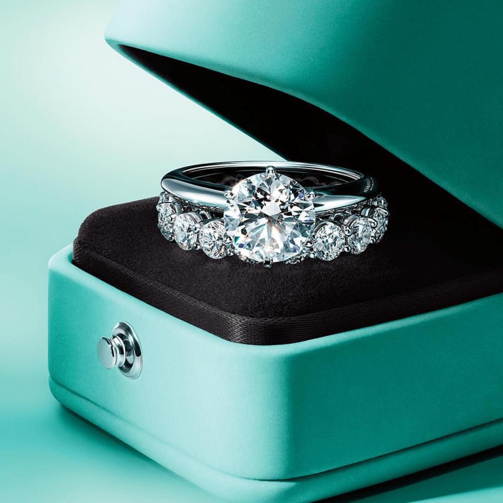 結婚指輪はティファニーが良い!花嫁のリアルな評判・体験を集めましたのカバー写真