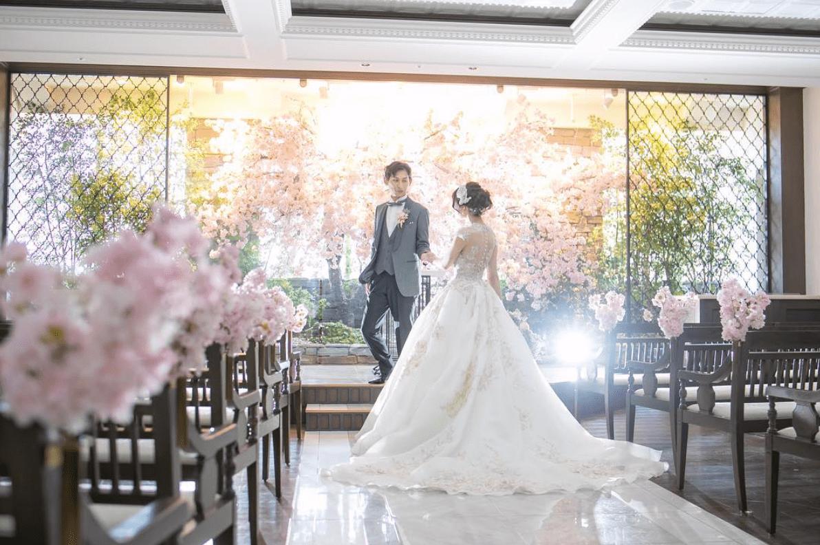 春婚さん必見♡可愛いすぎる桜テーマのウェディングアイディア20選のカバー写真 0.6644295302013423
