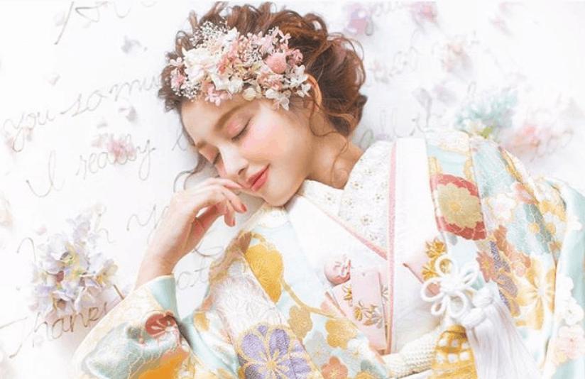 インパクト大♪前髪にお花を使った和装ヘアアレンジ18選のカバー写真 0.6480582524271845