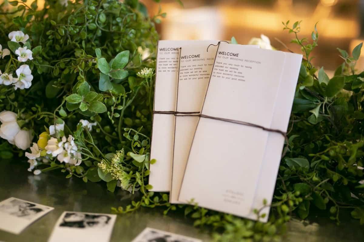 【保存版】席次表の肩書きで失敗しない!結婚式ゲストを正しく記載する肩書きマナーのカバー写真 0.6658333333333334
