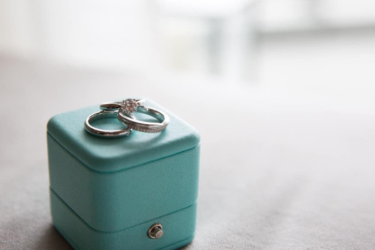 婚約指輪はティファニーを選びました♡芸能人・有名人まとめのカバー写真 0.6666666666666666