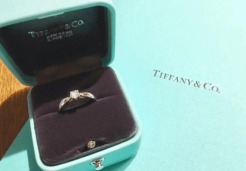 【婚約指輪の人気ブランド】ランキング&口コミ*購入前に知っておきたい女性のホンネのカバー写真