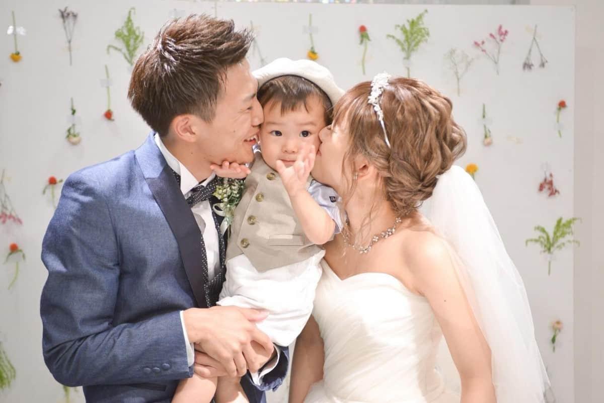 思わずほっこり♡#パパママ婚で見つけた素敵ファミリーフォト15選のカバー写真