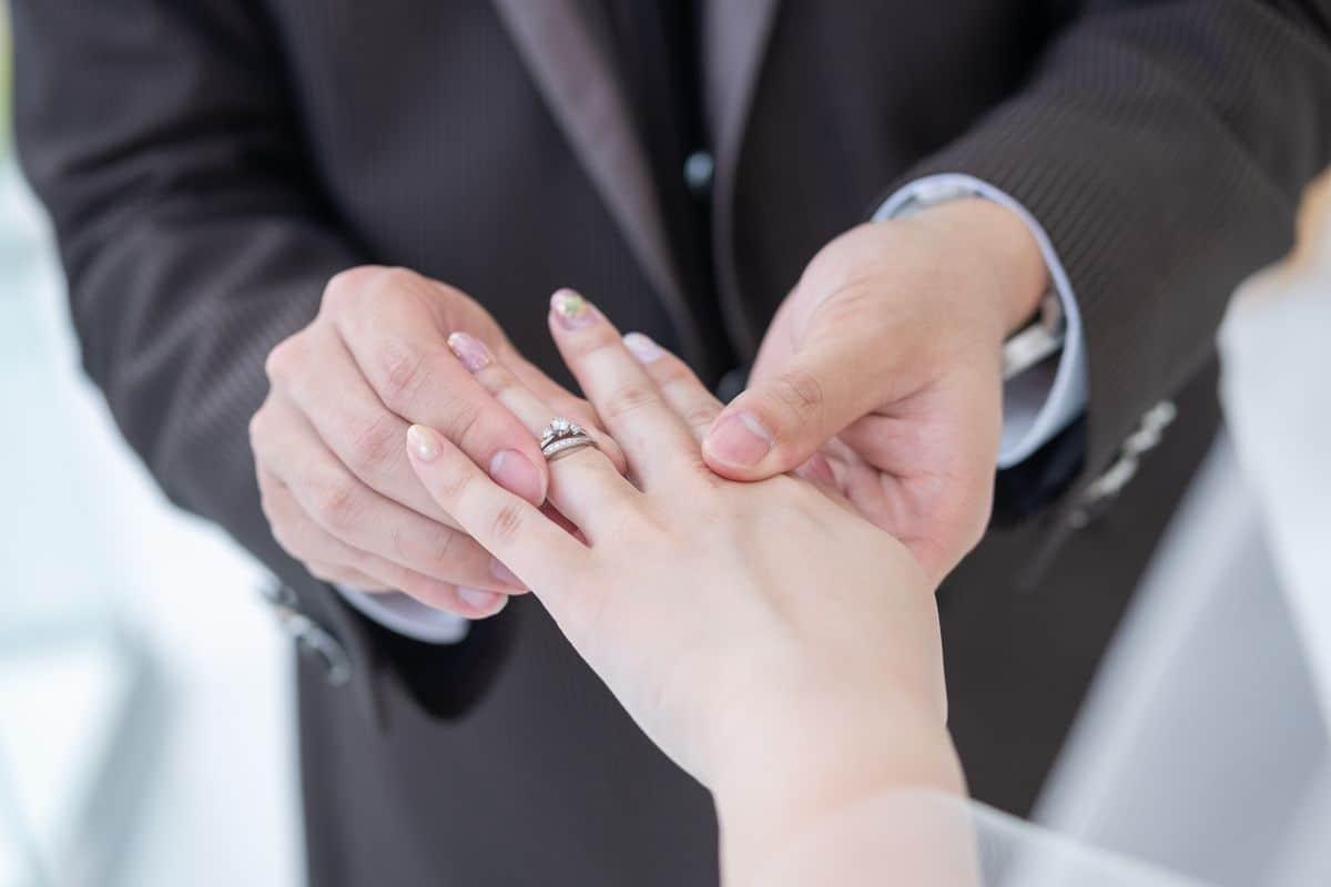 婚約指輪が安すぎてショック?指輪選びで困らないために知っておきたい7つのこと♡のカバー写真 0.6666666666666666