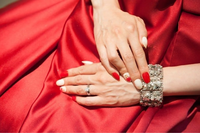 結婚指輪に後悔?!リアルな先輩花嫁の体験談と購入ポイントを紹介♡のカバー写真