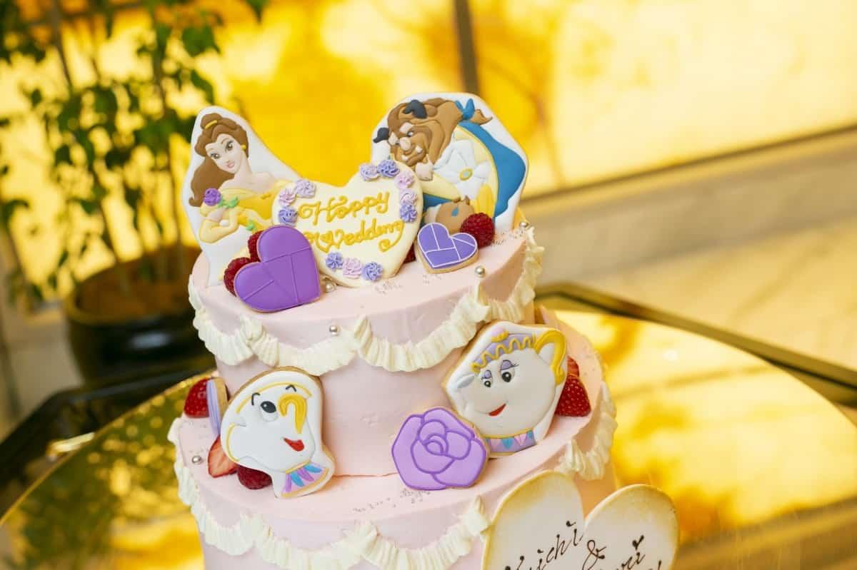どれも可愛いすぎ♡ディズニーデザインのウェディングケーキ17選♪のカバー写真 0.6658333333333334