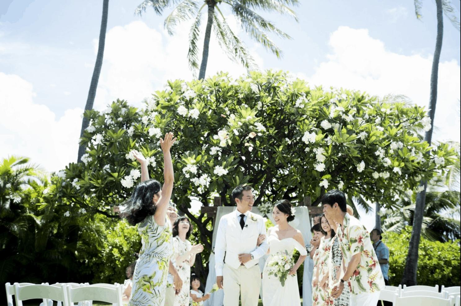 ハワイ結婚式の費用総額はいくら?内訳からゲストの旅費負担まで徹底解説のカバー写真