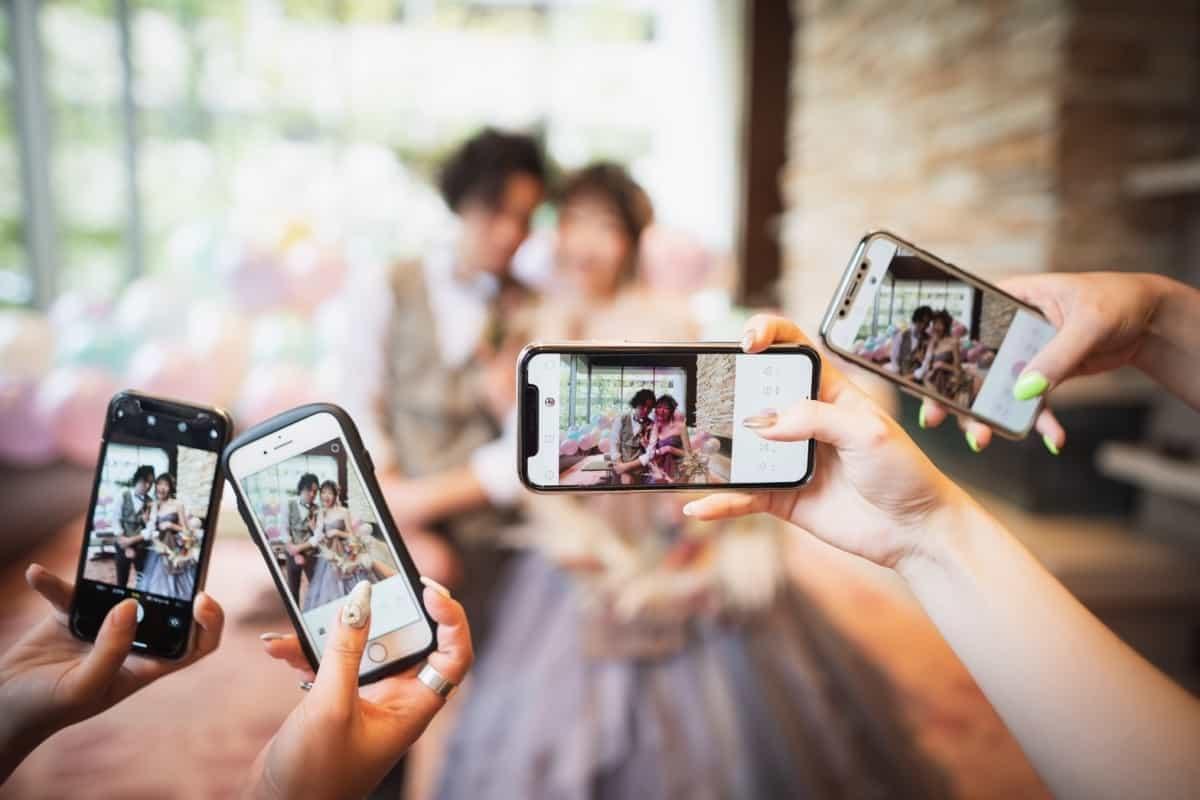結婚式の新定番《フォトシャワー》ゲスト参加型の演出で絶対盛り上がる♩のカバー写真 0.6666666666666666