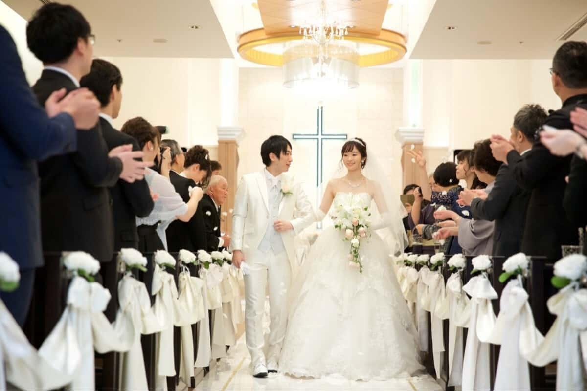結婚式をホテルニューオータニに決めた理由!迷った式場はどこ?Erinaさんにインタビュー♡のカバー写真 0.6666666666666666