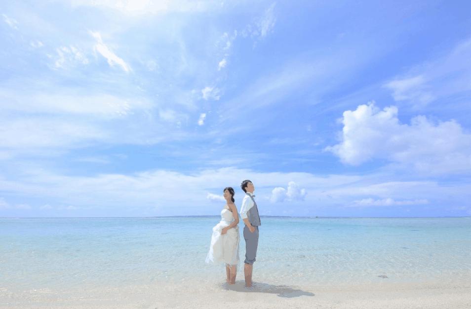 沖縄でウェディングフォトを撮ろう!気になる基本相場や人気ショットまとめのカバー写真
