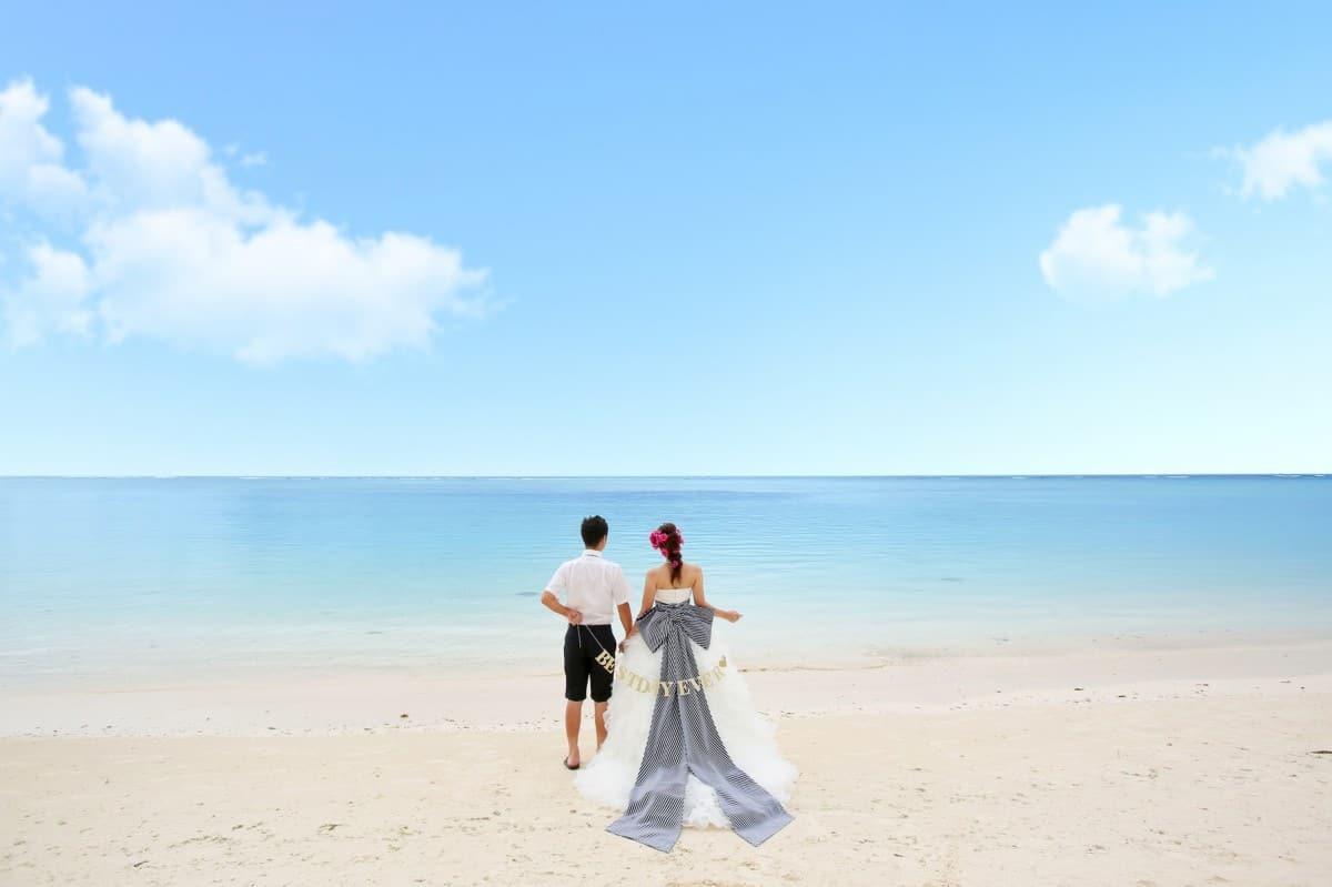 グアムで海外挙式♡ふたりだけの結婚式は本当にお得?のカバー写真