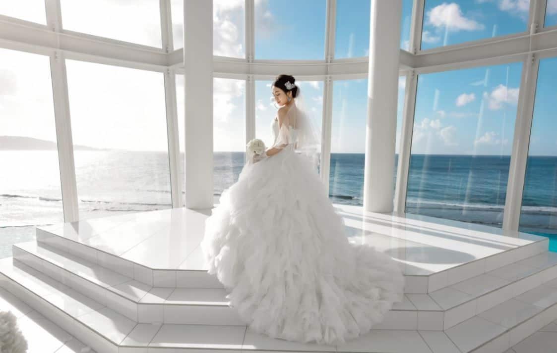 グアム結婚式はこれで参列!服装や髪型、海外挙式のお呼ばれマナー特集のカバー写真 0.634906500445236