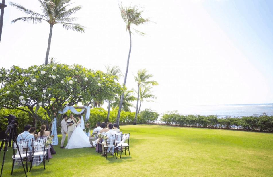 【グアム or ハワイ】結婚式するならどっちがいい?費用や時期、魅力を比較してみた!のカバー写真 0.648109243697479