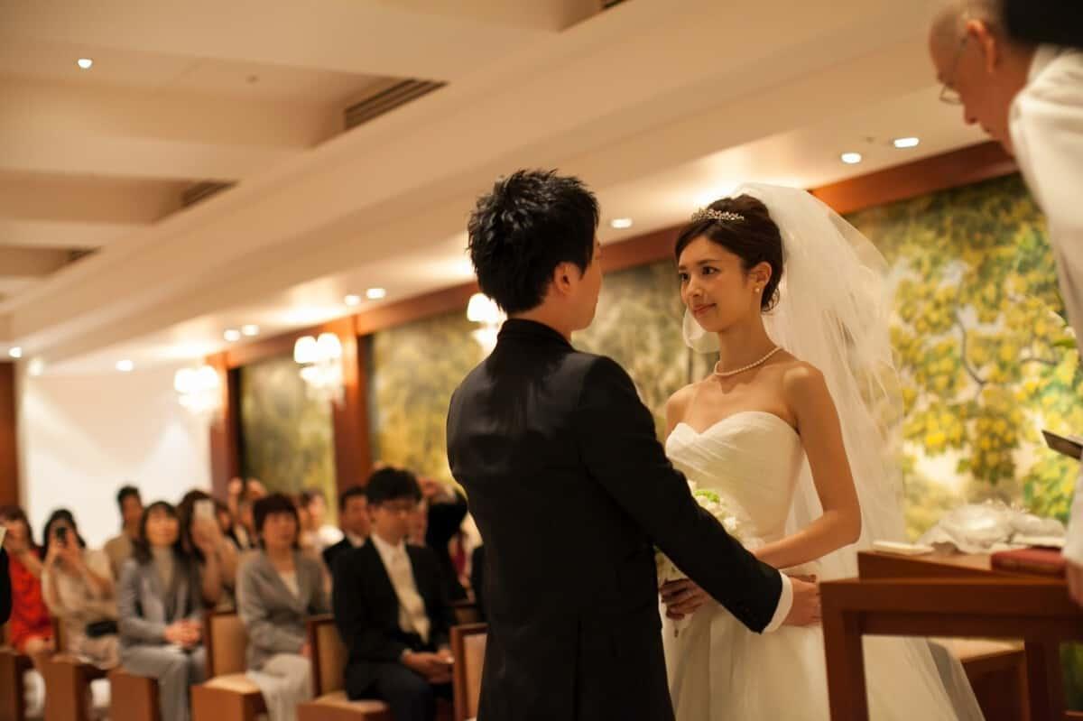 結婚式をパークハイアット東京に決めた理由!迷った式場はどこ?yr_410さんにインタビュー♡のカバー写真