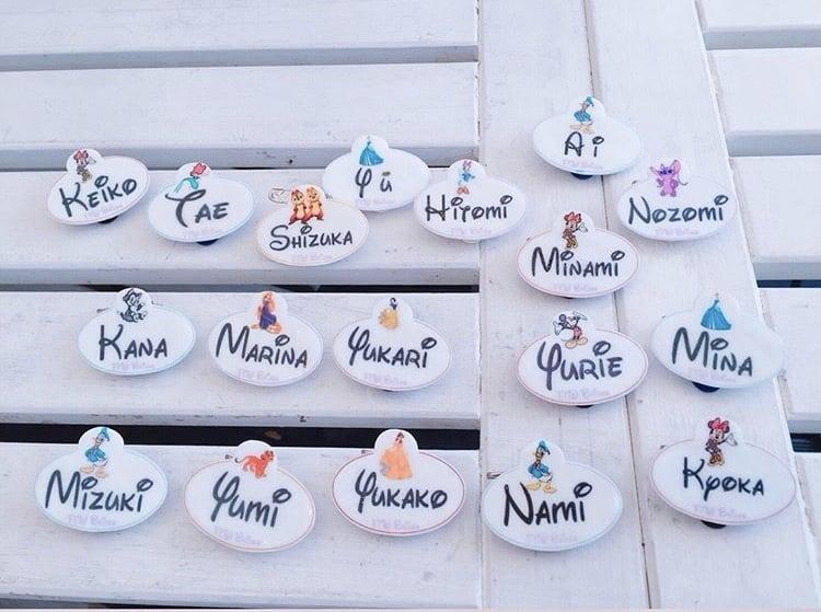 ディズニー婚におすすめ♡可愛いディズニー風席札のデザイン12選のカバー写真