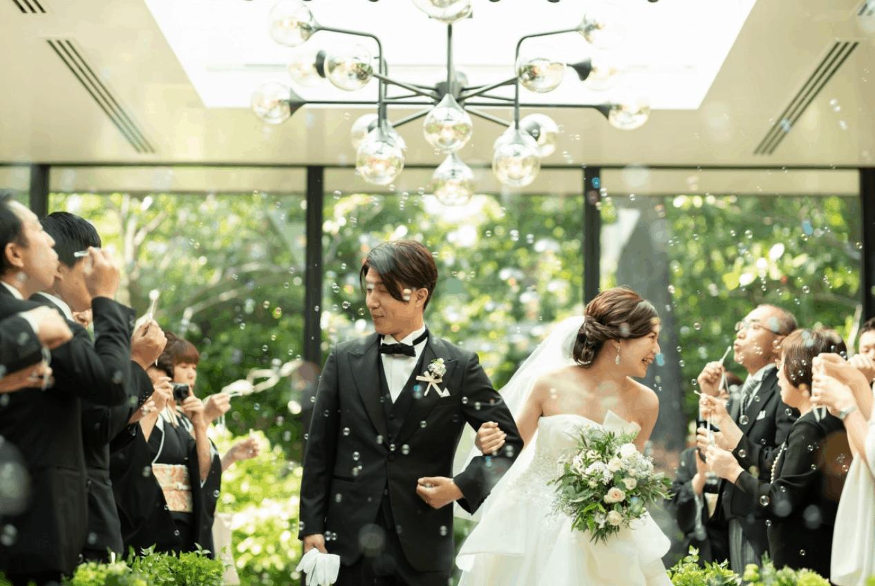 家族だけで結婚式を挙げるなら!少人数であったかい*親族のみ挙式の流れ&演出特集のカバー写真 0.669826224328594