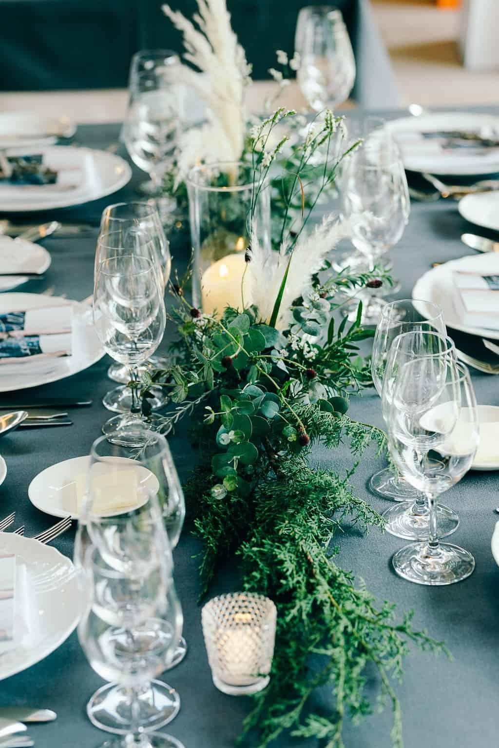 あえてお花は使わない*グリーンがメインのテーブル装飾10選のカバー写真