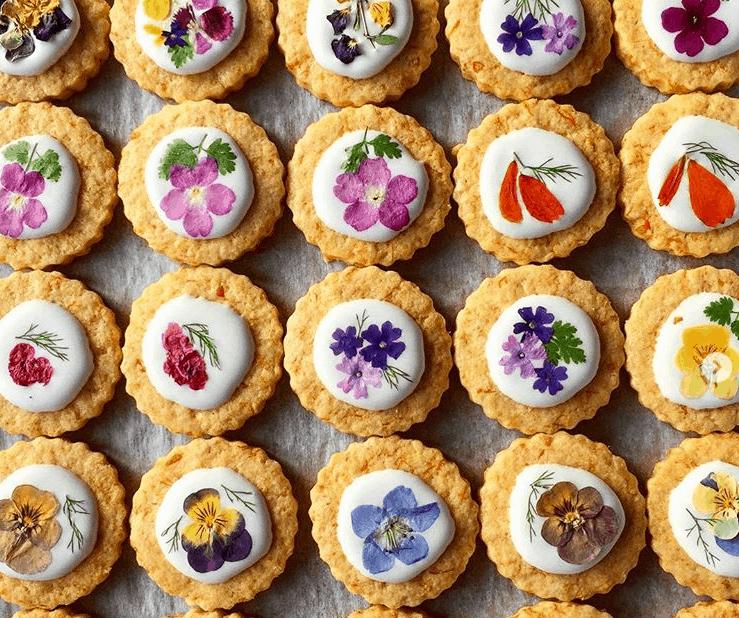 プチギフトに最適*エディブルフラワーのクッキーが魅力的♡のカバー写真