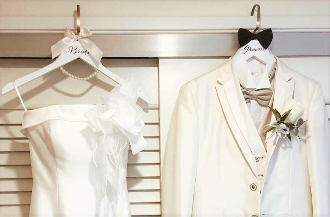 マイドレスを飾りたい♡ブライダルハンガーの可愛いデザイン10選のカバー写真